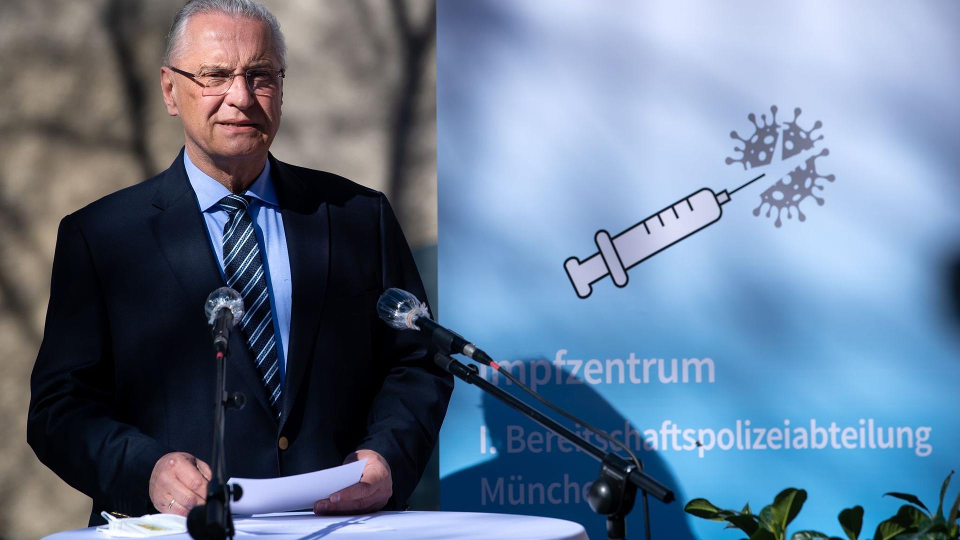 Bisher sind 10,4 Millionen Impfdosen nach Deutschland geliefert worden, davon aber über ein Drittel - 3,5 Millionen Dosen - bislang nicht verimpft.