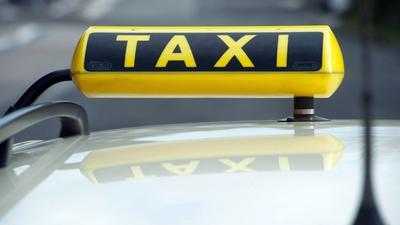 Mit der Reform sollen zugleich klassische Taxi-Anbieter geschützt werden.