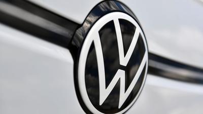 Laut VW sollen in Europa bis zum Ende des Jahrzehnts mindestens 70 Prozent der Verkäufe auf ausschließliche Stromer entfallen