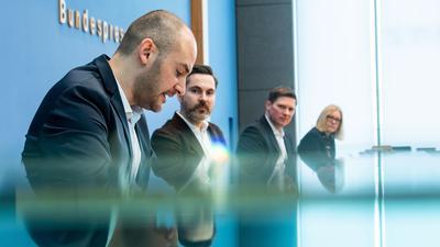 Danyal Bayaz (l-r, Bündnis 90/Die Grünen), Fabio De Masi (Die Linke) und Florian Toncar (FDP) im Wirecard-Untersuchungsausschuss.