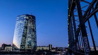 Die Europäische Zentralbank hält den Leitzins im Euroraum auf null Prozent.