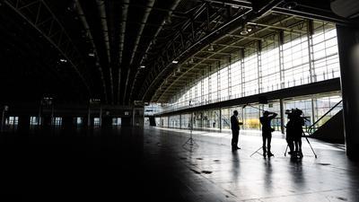 Blick in die leere Messehalle 2 auf dem Messegelände. Die Hannover Messe will sich in diesem Jahr als führende digitale Plattform für den Industriewandel etablieren.