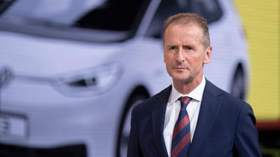 Herbert Diess, Vorstandsvorsitzender der Volkswagen AG, am Stand von Volkswagen auf der IAA.