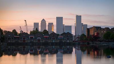 Das Finanz- und Geschäftsviertel Canary Wharf im Osten Londons.