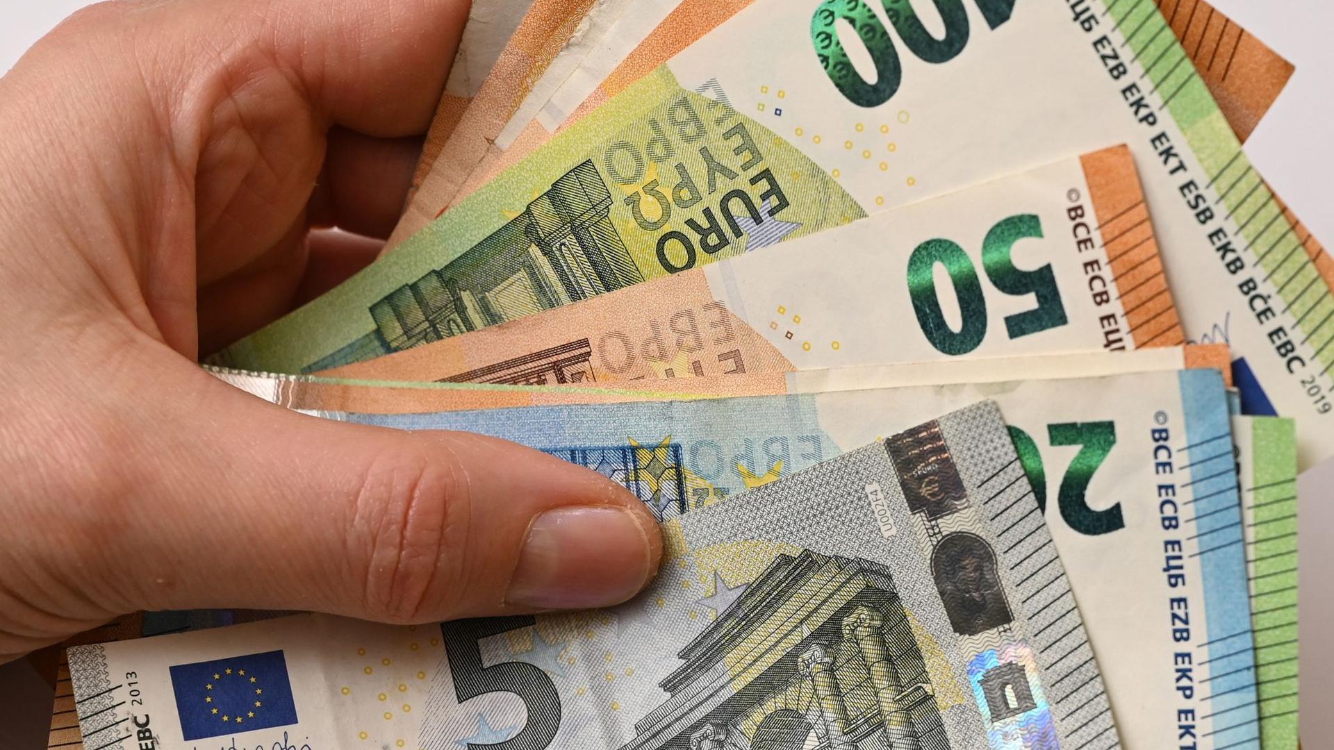 Laut Eurostat sind die Umsätze im Einzelhandel in der Eurozone gestiegen.
