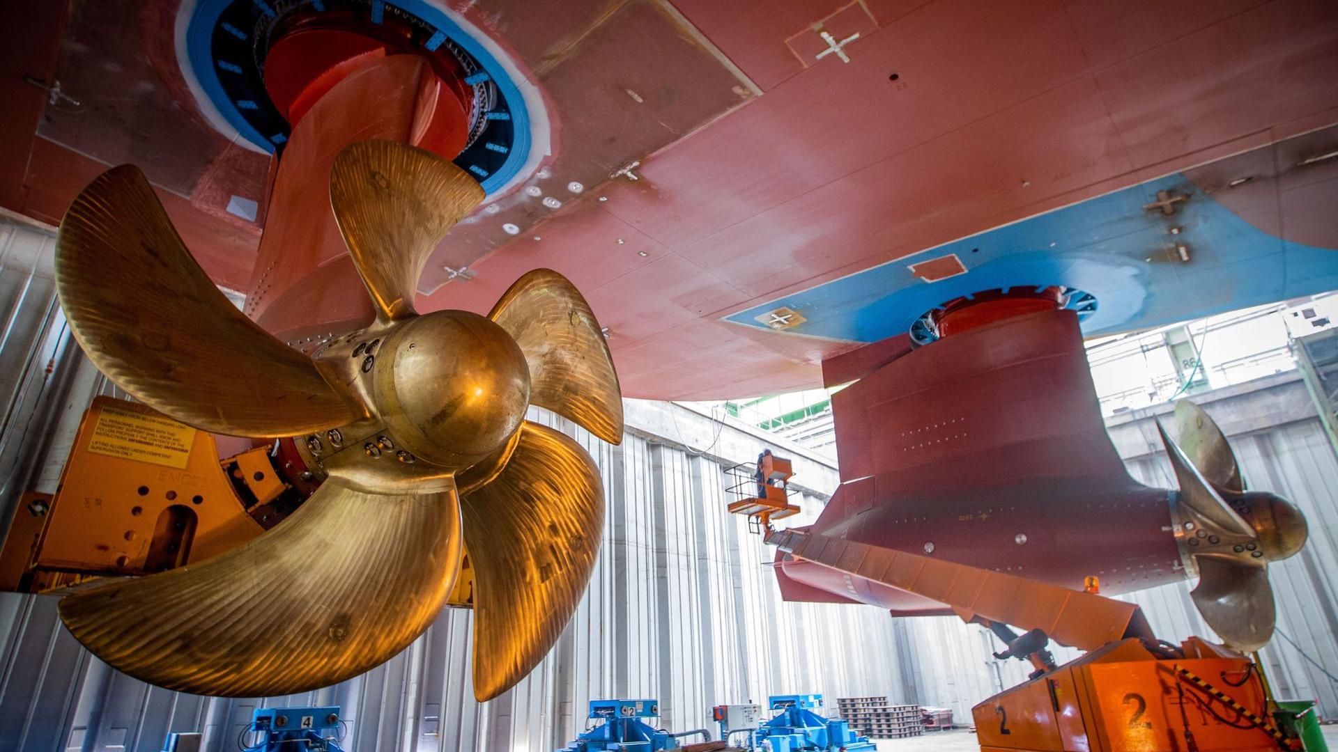 Immer wieder sind die Werften von Krisen betroffen. Auch die Corona-Pandemie hat für erhebliche Unruhe in der Branche gesorgt. Die IGMetall sieht in der Klimaneutralität einen Weg aus der Krise.