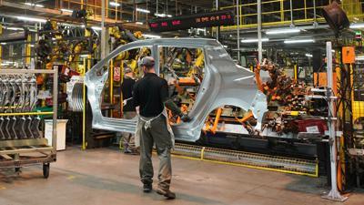 Die Vorschriften zur Corona-Quarantäne und der weltweite Chip-Mangel haben den britischen Autobauern 2021 den schlechtesten Juni seit fast 70 Jahren eingebrockt.