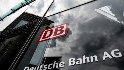 Die Deutsche Bahn nähert sich nach eigenen Angaben bei der Auslastung der Fernzüge langsam wieder dem Vorkrisenniveau.
