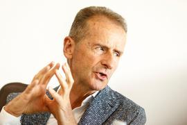 Herbert Diess, Vorsitzender des Vorstands der Volkswagen AG, bei einem Interview mit Redakteuren der Deutschen Presse-Agentur (dpa).
