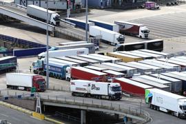Vor allem Lastwagenfahrer werden in Großbritanninen gesucht.
