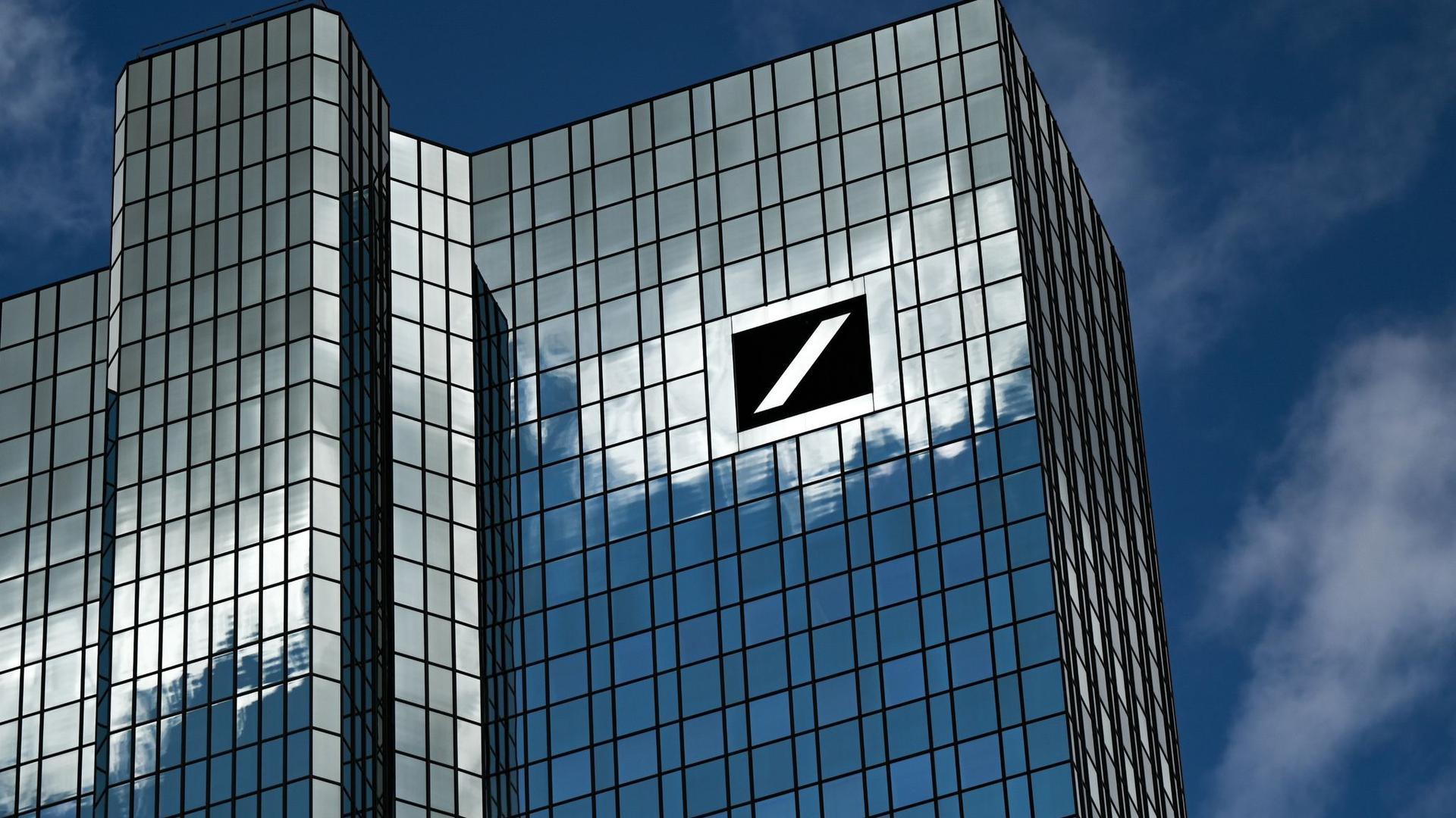 Die Zentrale der Deutschen Bank inFrankfurt am Main. Das Geldhaus distanziert sich deutlich von einer Analyse aus dem eigenem Haus.
