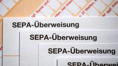 Überweisungen in Sekundenschnelle sind seit Jahren möglich - nun sollen auch Privatkunden der Direktbank ING Deutschland sogenannte Instant Payments nutzen können.
