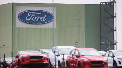 Wegen Halbleiter-Lieferproblemen muss der Autobauer Ford in Köln bis Ende Oktober seine Produktion stoppen.