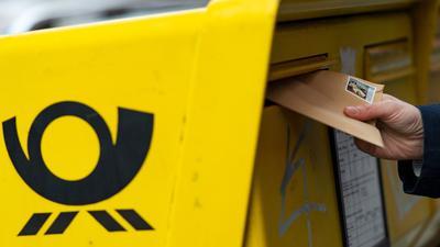 Die Deutsche Post will die Portopreise erhöhen.