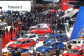 Eine Hallenübersicht, aufgenommen beim Genfer Autosalon am ersten Pressetag im Jahr 2019.