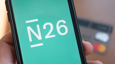 Die Smartphone-Bank N26 hat bei Investoren über 900 Millionen Dollar eingesammelt. Mit dieser Finanzierungsrunde ist N26 zum wertvollsten FinTech in Deutschland aufgestiegen.