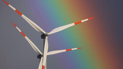 Mehr als die Hälfte der Klimaschutzinvestitionen der Unternehmen floss in die Nutzung erneuerbarer Energien.