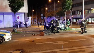 Eine flüchtende Autofahrerin ist in Pforzheim von einer Blitzersäule gestoppt worden.