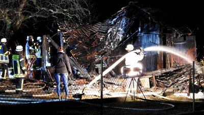Komplett zerstört bei dem Feuer wurde die Gartenhütte in Brötzingen/Arlinger.