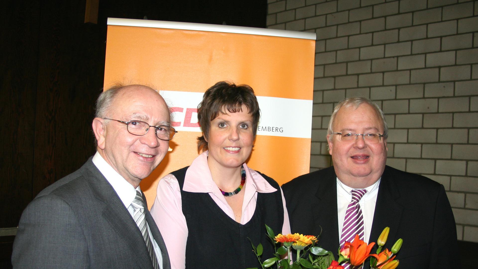 Erfahrung als Parteipolitikerin: Das Archivbild zeigt die heutige Regierungspräsidentin Sylvia Felder 2010 als Rastatter CDU-Kreisvorsitzende mit den damaligen Abgeordneten Peter Götz und Karl-Wolfgang Jägel (rechts).