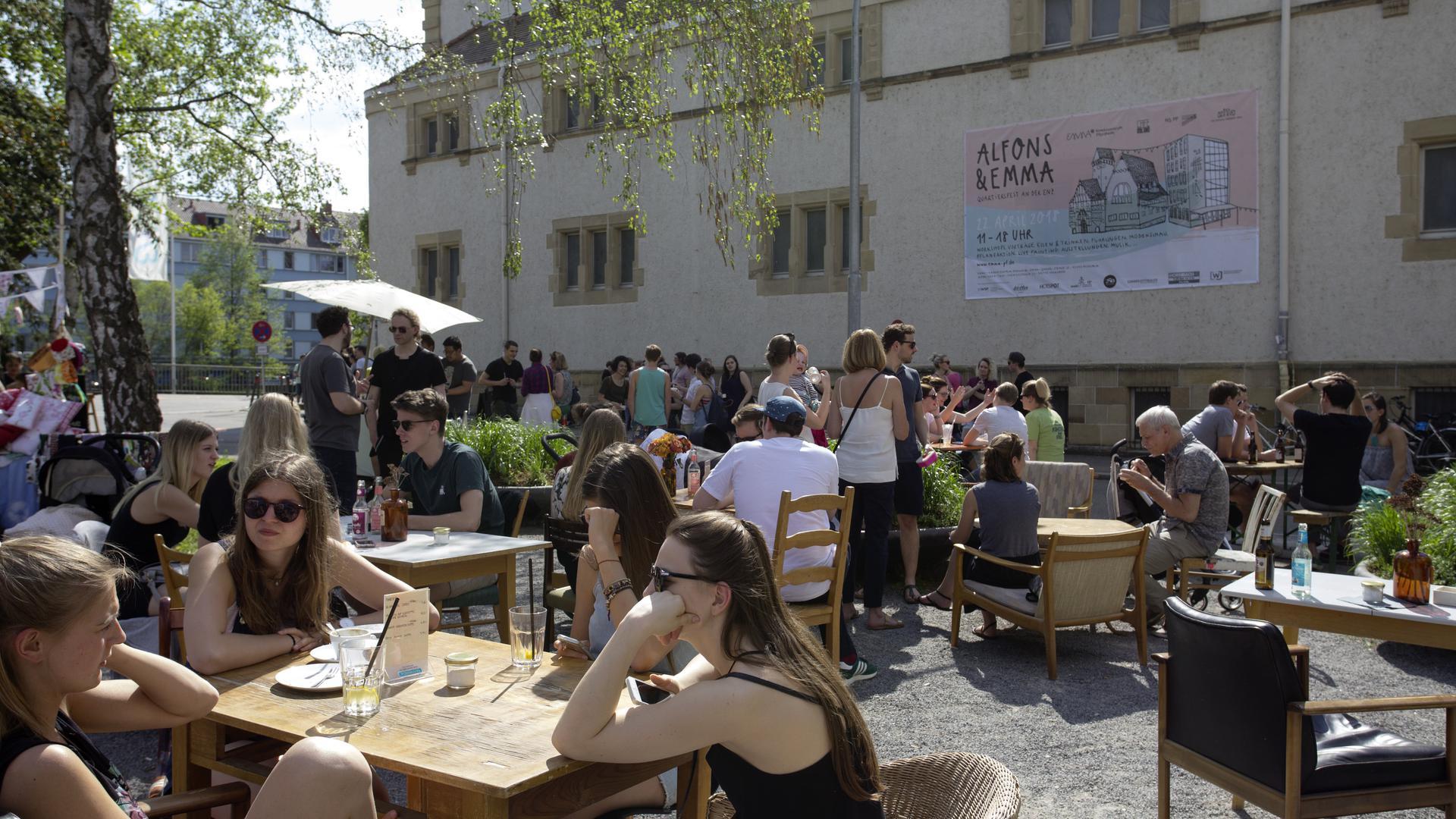 """DIE NEUE KOMBINATION AUS """"EMMA UND ALFONS"""" soll bei Würdigung von fünf Jahre Kreativzentrum in Pforzheim im Mittelpunkt stehen. Beim Quartiersfest im Mai zeigte sich, dass sie bereits jetzt für ein neues Miteinander sorgt im Quartier. Archivfoto: Tschech"""