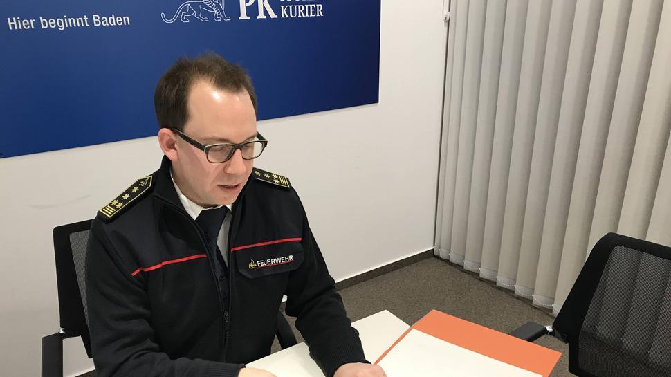 Feuerwehrkommandant Sebastian Fischer verweist auf die Zukunft in seiner Fortschreibung des Feuerwehrbedarfsplans, über den demnächst der Gemeinderat berät.
