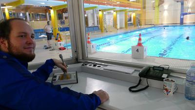 DIE LETZTE DURCHSAGE im Emma-Jaeger-Bad machte Schwimmmeister Patrick Schwemmle am Sonntag kurz vor 19 Uhr. Er forderte die letzten Schwimmer zu gehen auf. Dann hatten die Wasserballer ihr allerletztes  Spiel bevor der Schlüssel wohl endgültig umgedreht wurde.