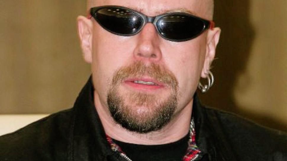 """Der Sänger Michael Regener, alias Lunikoff, ist nicht nur Musiker, sondern auch Gründungsmitlied der """"Vandalen – Ariogermanischen Kampfgemeinschaft""""."""