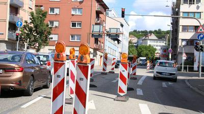 Ärgernis fürs ganze Jahr: Die Baustelle an der Berliner Straße wird wohl erst Ende des Jahres oder Anfang 2021 beendet werden.