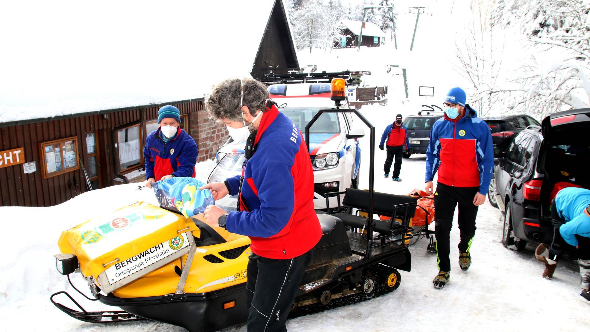 Bereit für den Wintereinsatz: Die Bergwacht Schwarzwald betreibt an Wochenenden die Bergrettungswache Kaltenbronn und betreut den Skilift dort sowie am Enzklösterle.