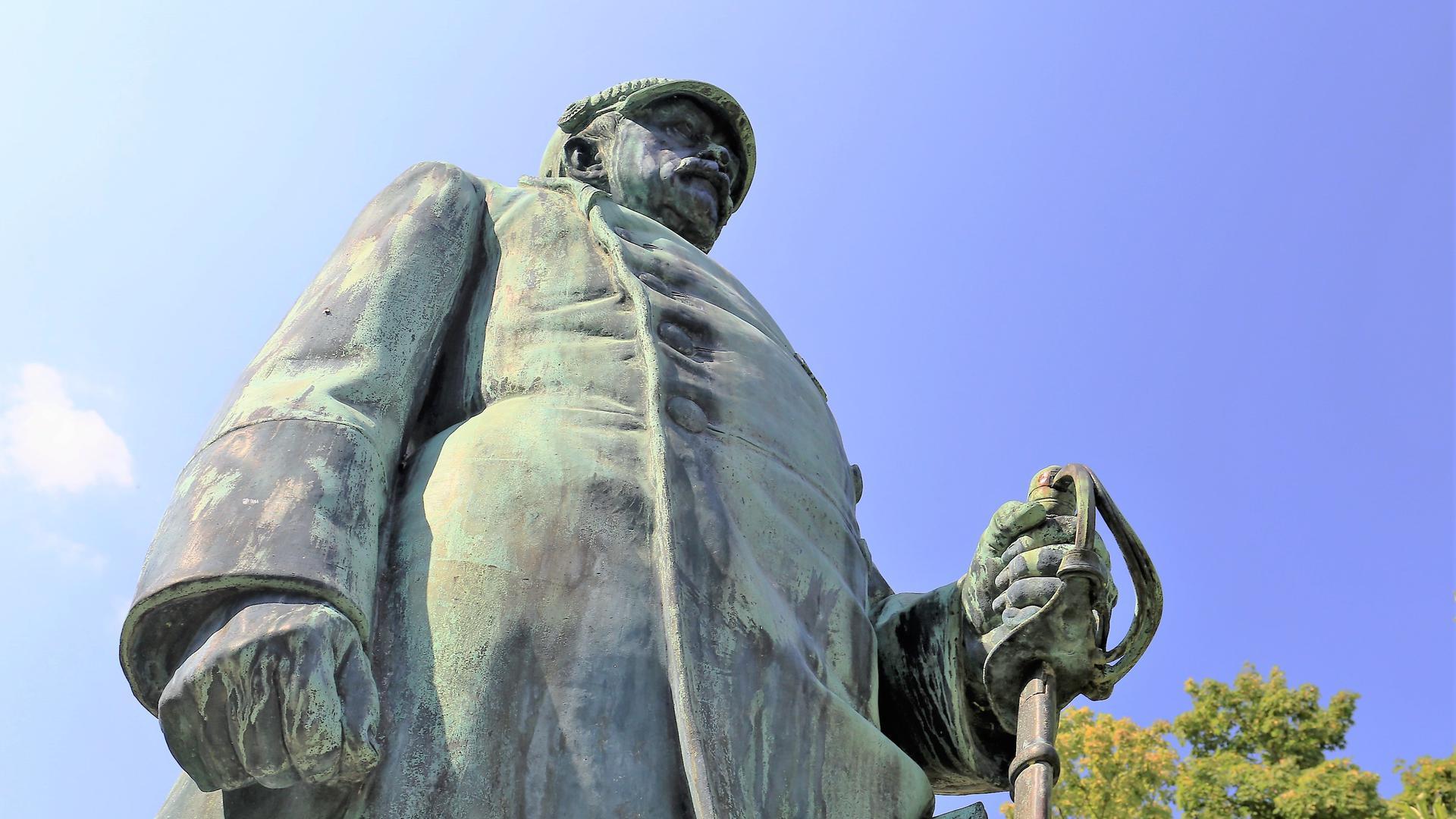 Eiserner Kanzler: Bismarck-Statue steht stramm im Pforzheimer Stadtgarten