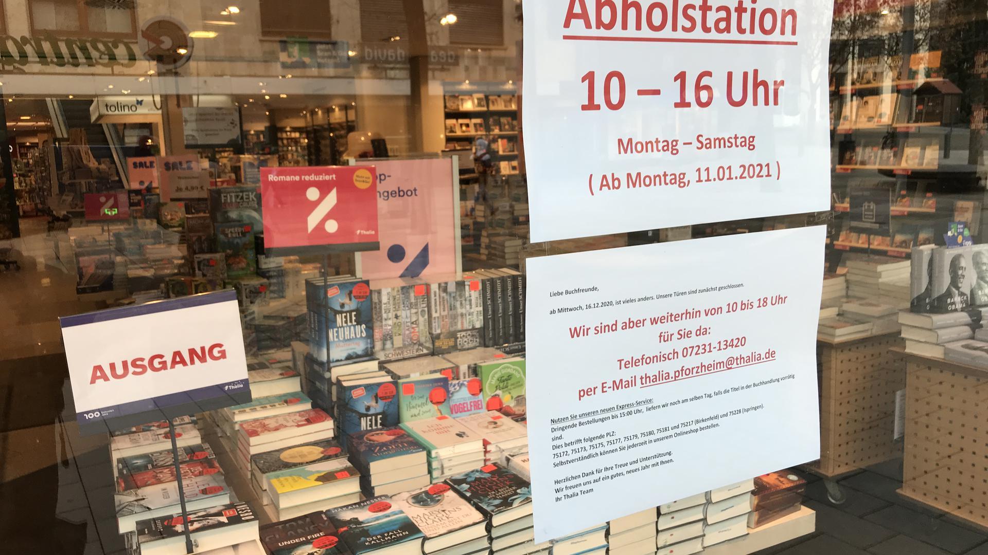 Abholen vor Ort: Die Thalia-Filiale in der Pforzheimer Fußgängerzone wird ab Montag zur Abholstation, wo Kunden vorbestellte Bücher abholen können.