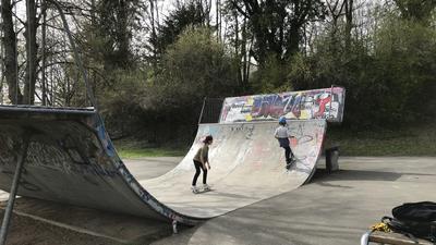 Bald nicht mehr im Arlinger? Der Skatepark in der Carl-Hölze-Straße muss im Zuge der Hochhaus-Arbeiten weichen. Wohin genau, das ist allerdings noch offen.