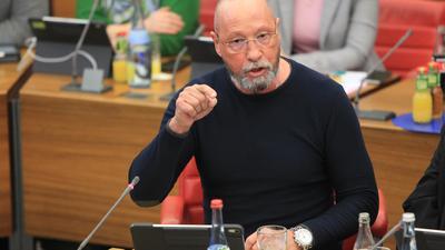 So nicht: Uwe Hück erhebt gegen Jacqueline Roos eine Dienstaufsichtsbeschwerde.