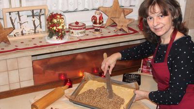 """Saskia Jourdan, BNN-Leserin aus Pforzheim, hat zwei Rezepte zum Plätzchenmagazin """"Ausgestochen lecker"""" beigesteuert."""
