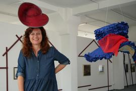 Susanne Reinmüller mit Hut