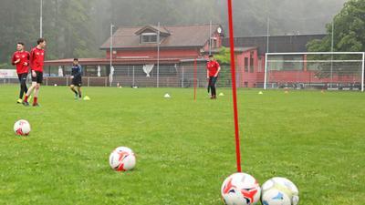 Sportplatz und Vereinsheim des SV Huchenfeld