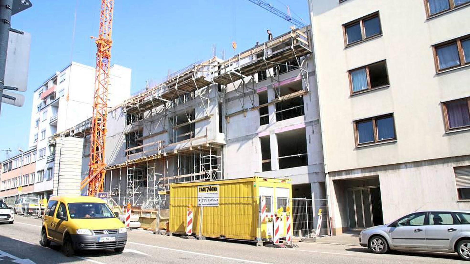 Schluss auf der Baustelle? Baugesellschaften treibt die Sorge um, dass Arbeiter nicht nach Pforzheim kommen können oder Lieferketten brechen.