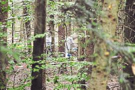 Der 30-jährige Hauptangeklagte im Mordfall Simon Paulus hat bei einer erneuten Einlassung vor dem Landgericht Karlsruhe zum wiederholten Male seine Unschuld beteuert. Zudem belastete er den 42-jährigen mitangeklagten Kampfsportlehrer und dessen frühere Freundin, eine Kommissarin bei der Kriminalpolizei Karlsruhe, schwer.