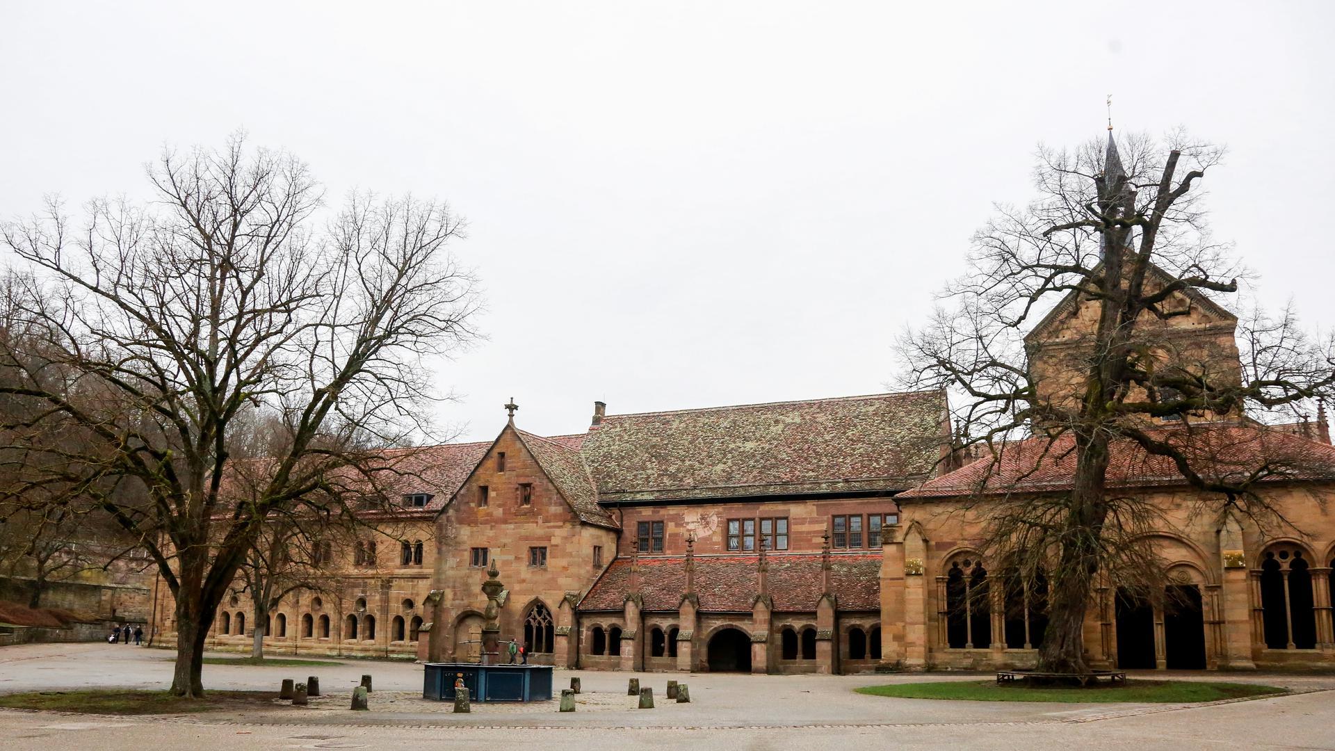 Der Maulbronner Klosterhof ist derzeit nahezu menschenleer.