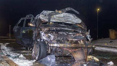 Vollständig ausgebrannter Pkw in Wimsheim