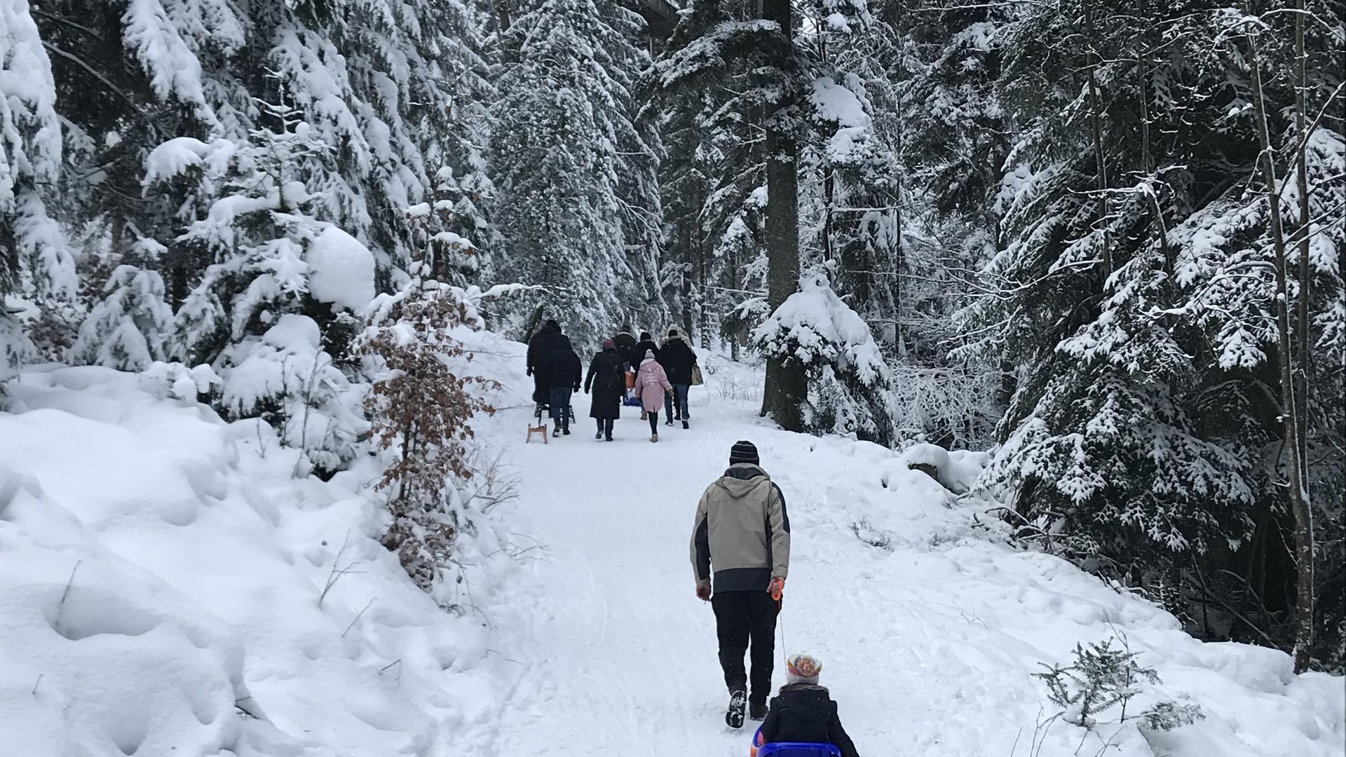 Der Sommerberg war bei Bad Wildbad war zugänglich und die Parkplätze zur Mittagszeit gut belegt.