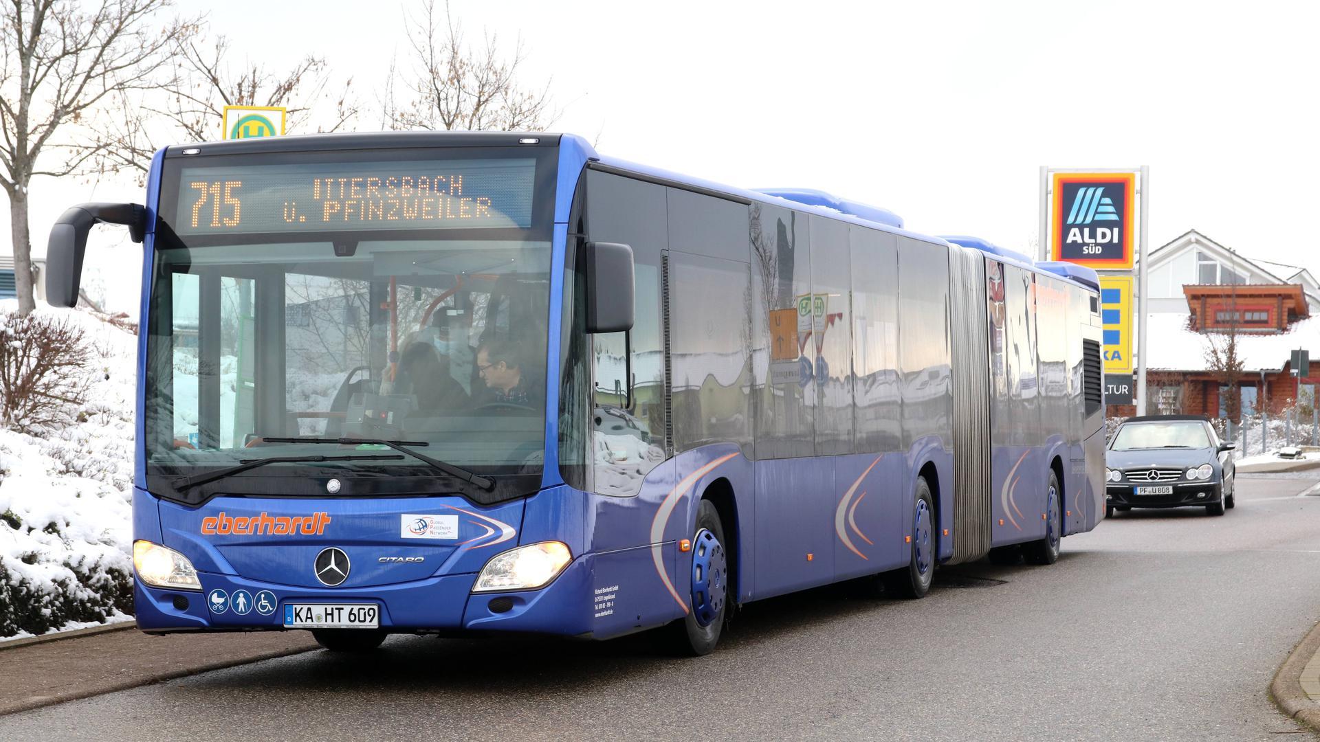 Wer fährt künftig im westlichen Enzkreis? Wegen einer falsch berechneten Frist ist die Vergabe der Buslinien an zwei Unternehmen kurzfristig geplatzt. Daher muss die Dienstleistung erneut ausgeschrieben werden.