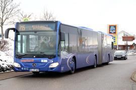 Viele Fragen offen: Nach dem zweiten Vergabedebakel der Buslinien im westlichen Enzkreis wollen Kreisverwaltung und Kreistag klären, wie es zu den Fehlern kommen konnte. Kritik kommt von Enzkreisräten und Pforzheimer Stadträten.