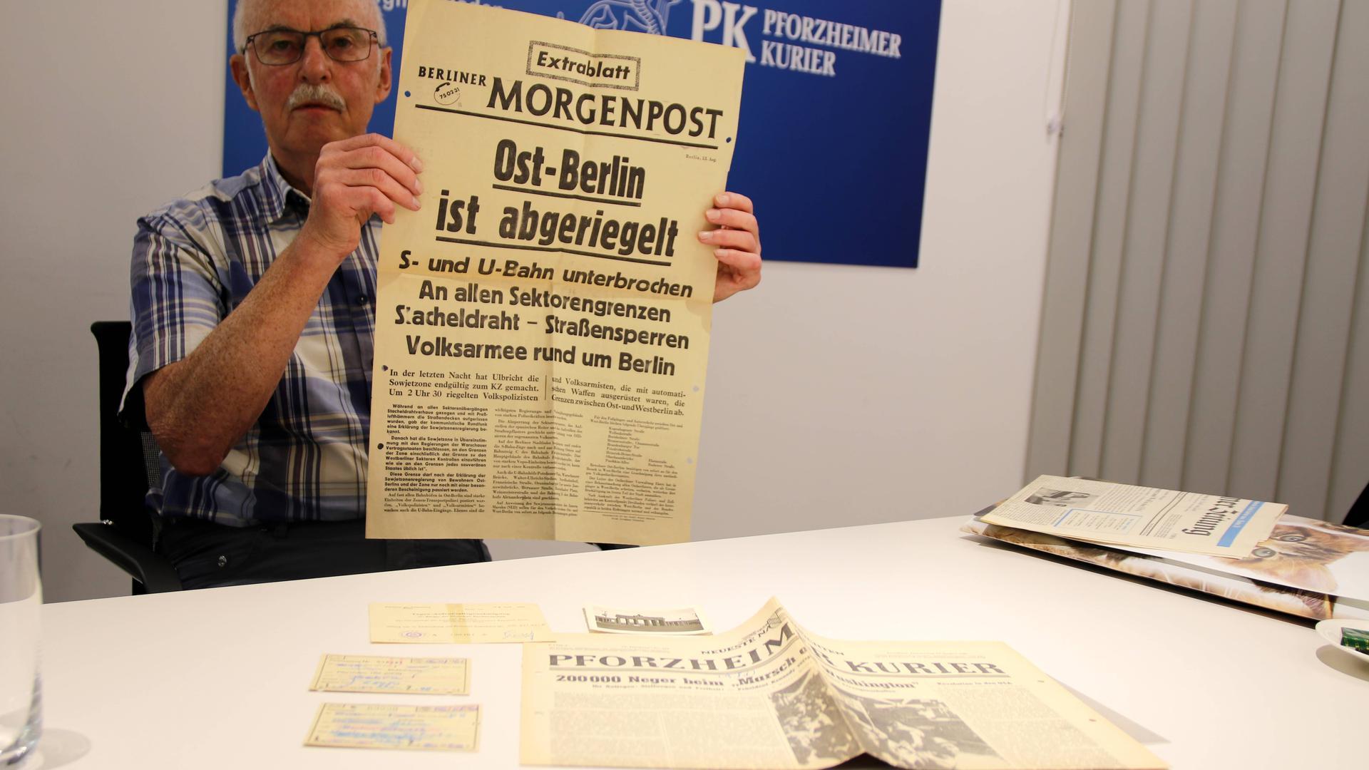 Historische Dokumente: Zeitungen vom August 1961 hat Horst Gabel aus Birkenfeld auf seinem Dachboden wiedergefunden. Der 73-Jährige war damals mit seiner Mutter zu Besuch in Berlin und hat die geschichtsträchtigen Ereignisse vor Ort miterlebt.