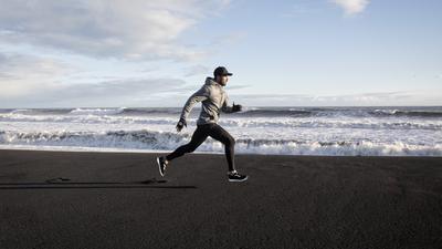 """Botschafter für sein Label: """"Morotai""""-Gründer Rafy Ahmed treibt viel Sport und weiß daher aus eigener Erfahrung, wie Sportswear sein sollte: bequem, funktional und gut aussehend."""