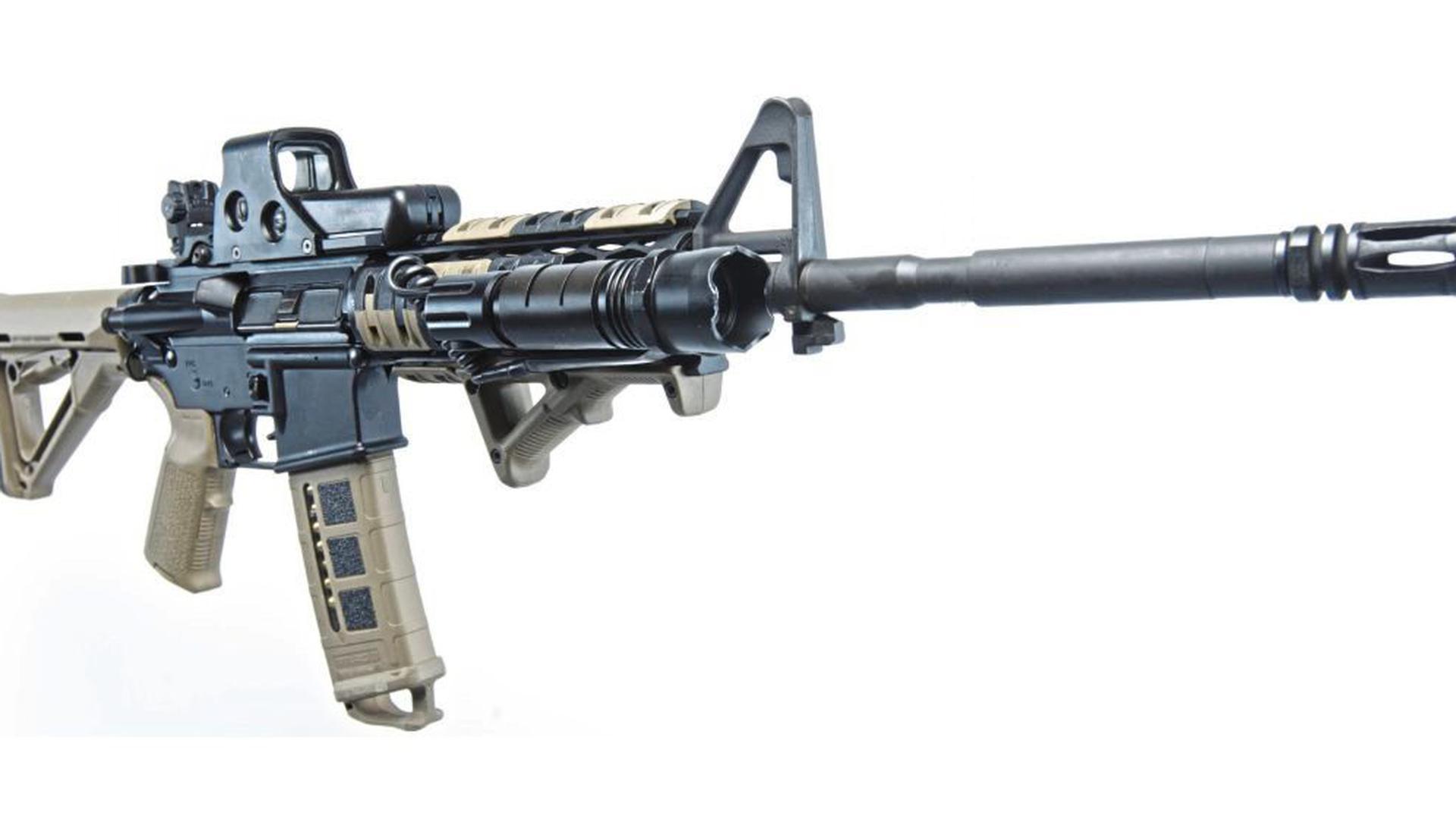 Ein AR-15-Gewehr. Eine ähnliche Waffe soll Simon Paulus besessen haben.