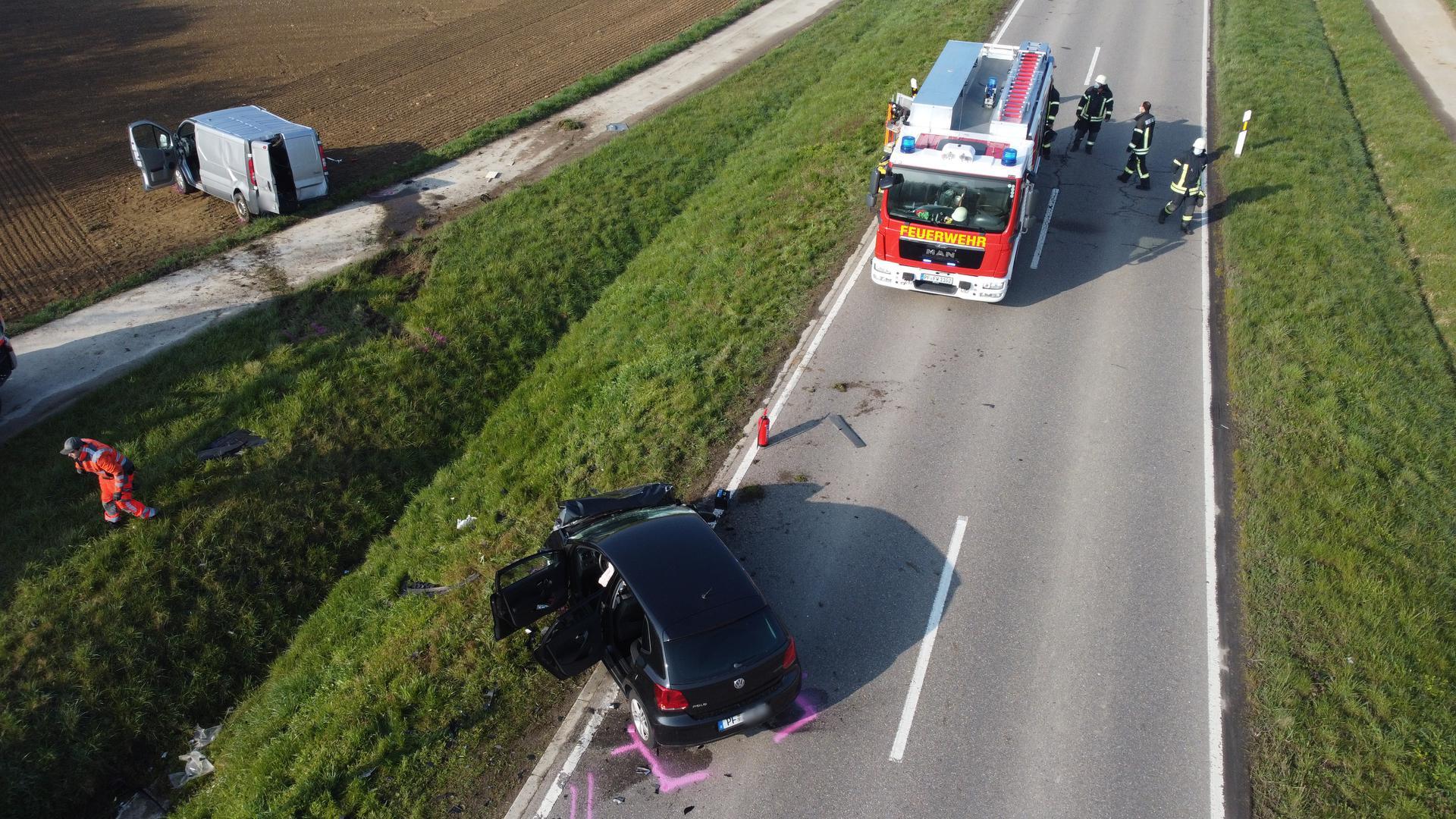 Eisinger Landstraße in Ispringen nach Autounfall