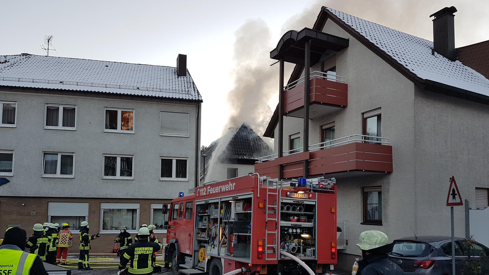 Ein Hausbesitzer hatte versucht, eine eingefrorene Leitung aufzutauen. Das Haus in Kämpfelbach fing Feuer.