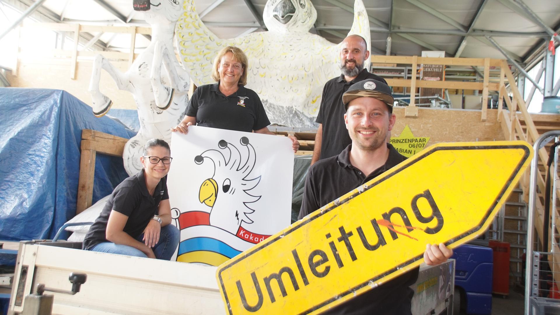 Achtung, Umleitung: Sabrina Korn, Regina Fuchs, Michael Fritz und Fabian Fuchs vom Narrenbund Kakadu machen ab sofort einiges anders.